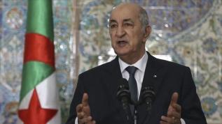 Cezayir Cumhurbaşkanı Buteflika rejiminin partisine üyeliğini dondurdu