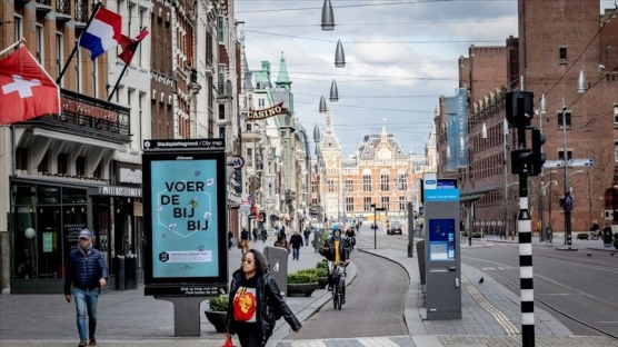 Hollanda'da Kovid-19 nedeniyle ölenlerin sayısı 5 bin 967'ye yükseldi