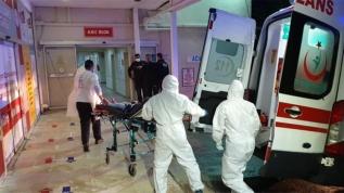 Türk aile Mısır'da ambulans uçakla getirildi!