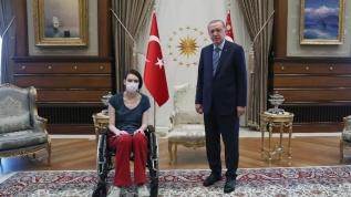 Başkan Erdoğan milli voleybolcu Çetin'i kabul etti