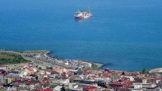 Türkiye'nin denizlerdeki gururu Fatih Sondaj Gemisi Trabzon Limanı'na yanaştı! İşte ilk sondaj tarihi