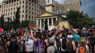 Washington DC'de binlerce kişilik Floyd protestosu